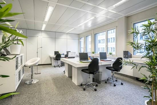 Home Staging Kyburz con mobiliario de oficina de cartón cubiqz