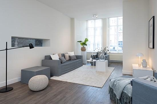 4HOME con sofá y sillon de cartón Cubiqz con funda de tela GRACE