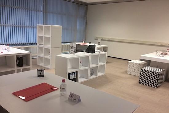 Mobiliario modular de cartón para Oficina Staging - LUUCK