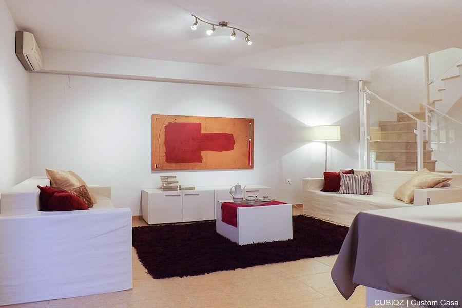 9. CUBIQZ muebles de cartón para Home Staging. MUEBLE DE TV DOBLE COLOR BLANCO